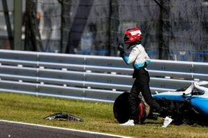 Robert Kubica, Williams Racing out of the car after crashing