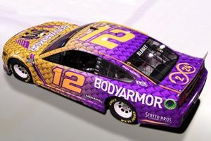 Decoración de Ryan Blaney, Team Penske en hoor a Kobe Bryant