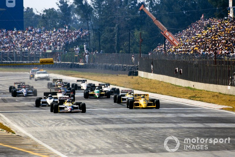 Start zum GP Mexiko 1987 in Mexico City: Nigel Mansell, Williams FW11B, Ayrton Senna, Lotus 99T