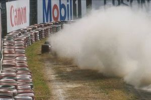 Ayrton Senna, McLaren MP4/5B, dans les graviers