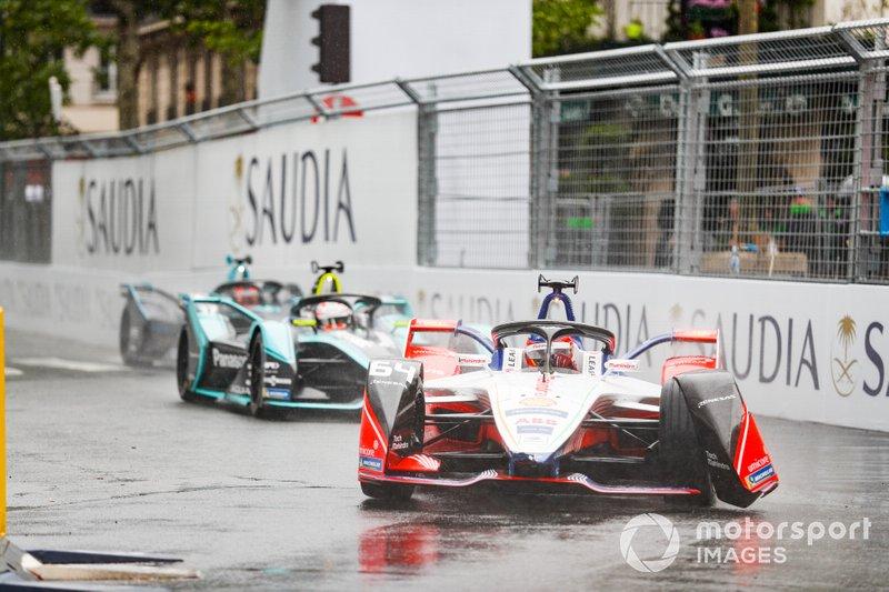 Jérôme d'Ambrosio, Mahindra Racing, M5 Electro, con l'ala anteriore danneggiata