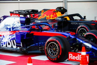 Daniil Kvyat, Toro Rosso STR14, parks up in Parc Ferme after Qualifying