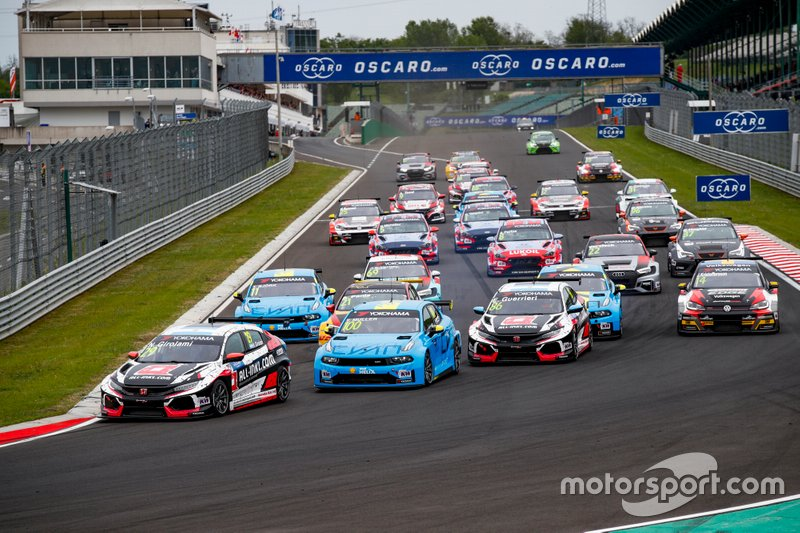 Start action, Néstor Girolami, ALL-INKL.COM Münnich Motorsport Honda Civic Type R TCR leads