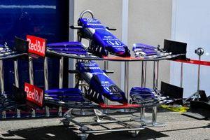 Voorvleugel van de Toro Rosso STR14