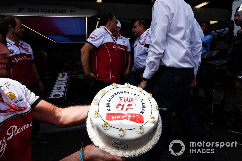 Cake for Kimi Raikkonen, Alfa Romeo Racing 300th GP