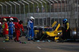 #85 JDC-Miller Motorsports Cadillac DPi, DPi: Misha Goikhberg, Tristan Vautier, Crash