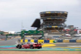 #61 Clearwater Racing, Ferrari 488 GTE: Matt Griffin, Matteo Cressoni, Luis Perez Companc