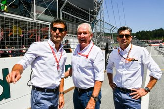 Mark Webber, Helmut Marko, Consultant, Red Bull Racing, and Patrick Dempsey