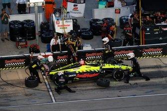 Sebastien Bourdais, Dale Coyne Racing con Vasser-Sullivan Honda, pit stop