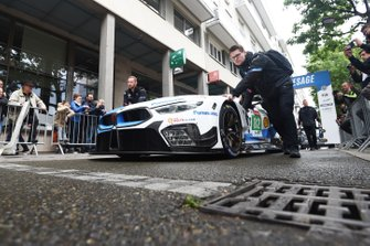 Автомобиль BMW M8 GTE (№82) команды BMW Team MTEK