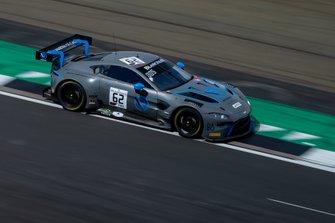 #62 R-Motorsport Aston Martin Vantage AMR GT3: Matthieu Vaxivie?re, Matt Parry, Maxime Martin