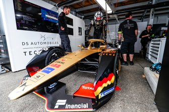 Andre Lotterer, DS TECHEETAH, gets into his DS E-Tense FE19