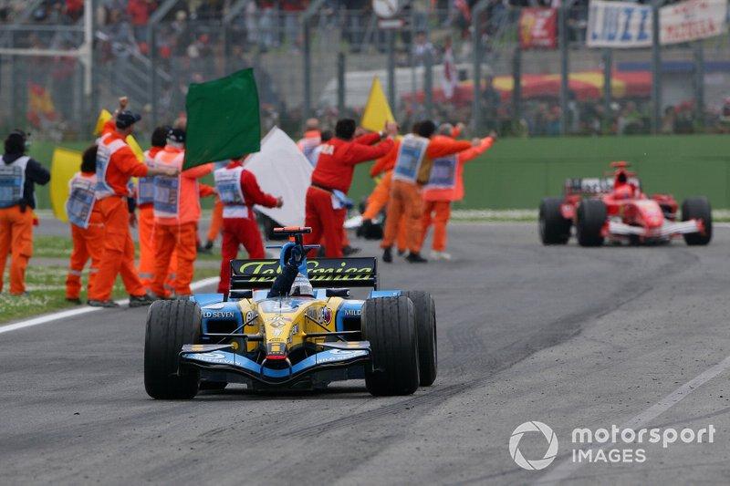 Fernando Alonso, Renault R25 dopo aver vinto il GP di San Marino del 2005