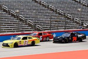 Chad Finchum, Motorsports Business Management, Toyota Camry CrashClainsR.US and Bayley Currey, Mike Harmon Racing, Chevrolet Camaro