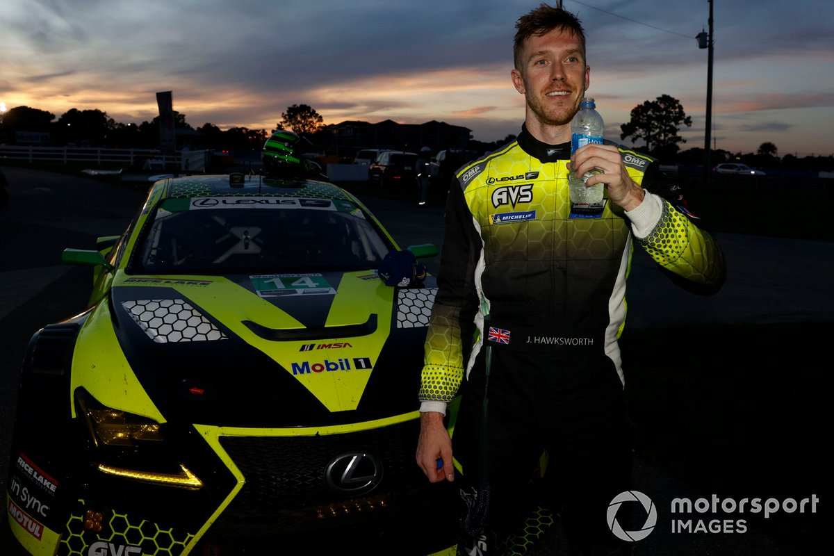 Il vincitore #14 AIM Vasser Sullivan Lexus RC-F GT3, GTD: Jack Hawksworth