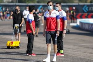 Alex Lynn, Mahindra Racing on the trackwalk