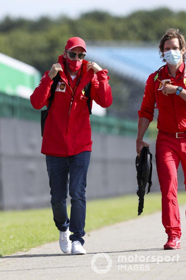 Sebastian Vettel, Ferrari arriva nel paddock