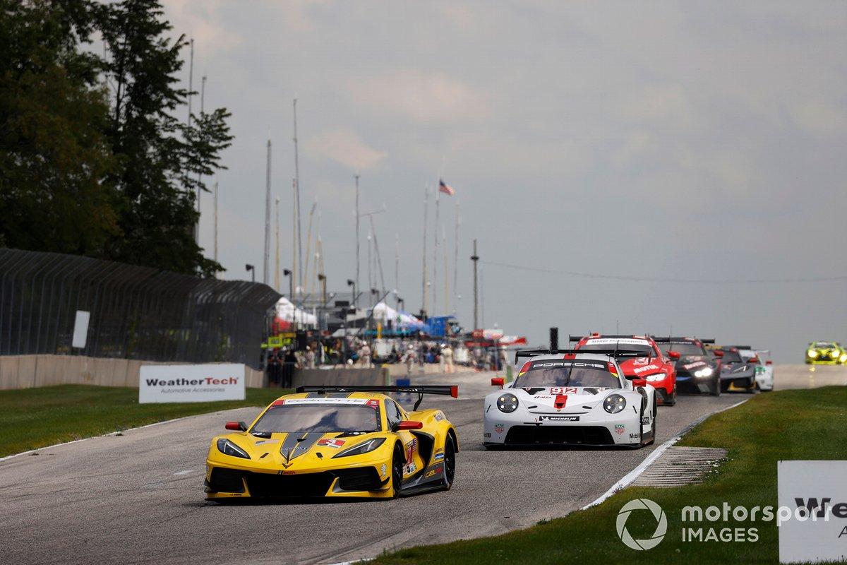 #3 Corvette Racing Corvette C8.R, GTLM: Antonio Garcia, Jordan Taylor, #912 Porsche GT Team Porsche 911 RSR - 19, GTLM: Laurens Vanthoor, Earl Bamber