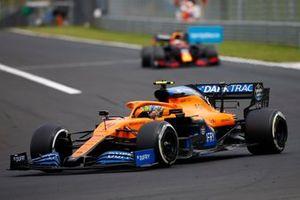 Lando Norris, McLaren MCL35, leads Max Verstappen, Red Bull Racing RB16