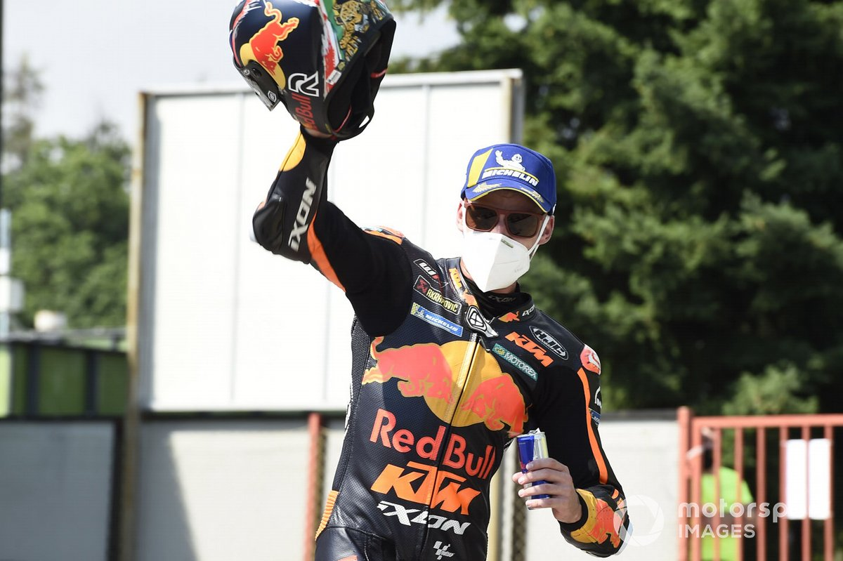 Ganador de la carrera Brad Binder, Red Bull KTM Factory Racing