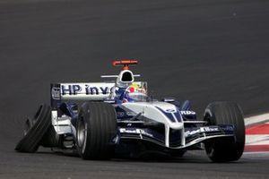 Mark Webber, Williams BMW FW27 avec une crevaison à l'arrière droit