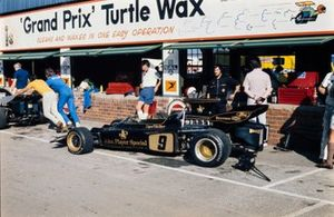 The Lotus 72D Ford of Dave Walker in the pits