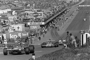 Ronnie Peterson, March 711 Ford, Denny Hulme, McLaren M19A Ford, Henri Pescarolo, March 711 Ford