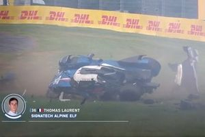 Sreenshoot of the crash #36 Signatech Alpine Matmut Alpine A470: Thomas Laurent