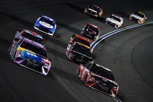 Erik Jones, Joe Gibbs Racing Toyota Craftsman leads Kyle Busch, Joe Gibbs Racing Toyota M&M's Fudge Brownie
