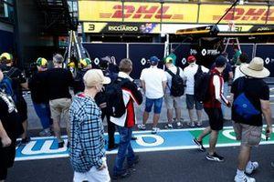 F1 Fans Pit Lane Walk