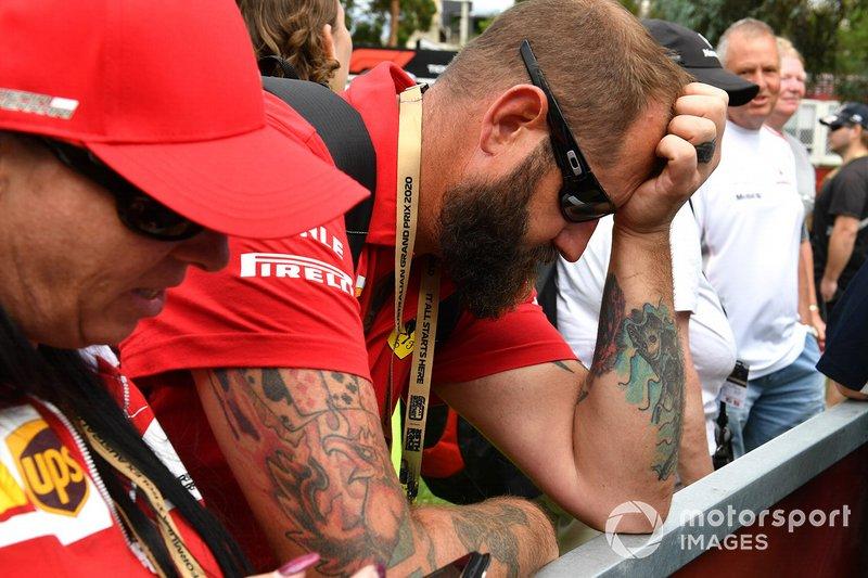 La reazione di un tifoso alla notizia della cancellazione del Grand Prix