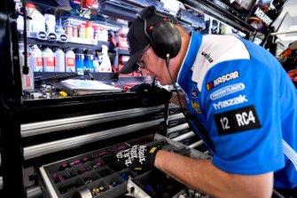Ryan Blaney, Team Penske, Ford Mustang crew