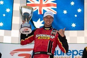 Podyum: Yarış galibi Chaz Mostert, Tickford Racing Ford