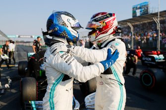 Pole Sitter Lewis Hamilton, Mercedes AMG F1 and Valtteri Bottas, Mercedes AMG F1 in Parc Ferme