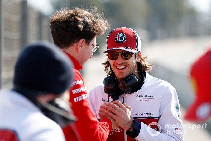 Mattia Binotto, directeur de Ferrari, avec Antonio Giovinazzi, Alfa Romeo Racing
