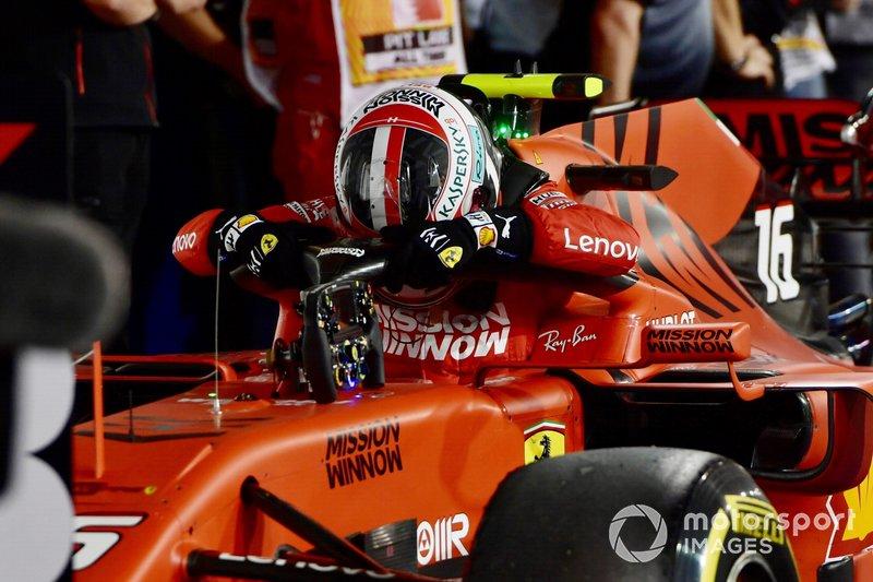 Charles Leclerc, Ferrari, terzo, arriva al Parco Chiuso