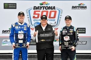 William Byron, Hendrick Motorsports, Chevrolet Camaro Axalta and Alex Bowman, Hendrick Motorsports, Chevrolet Camaro Nationwide on the front row for the Daytona 500