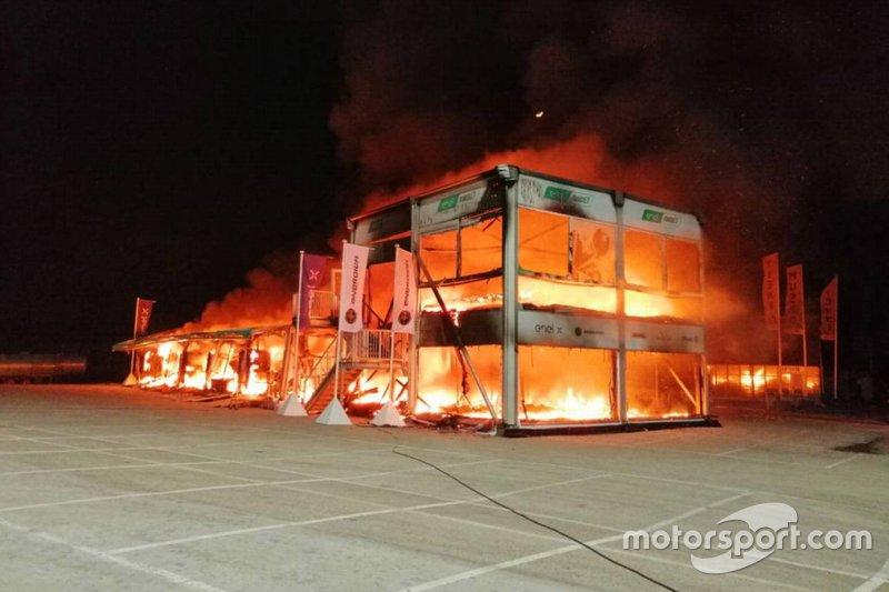 Incendio en el paddock de MotoE en Jerez