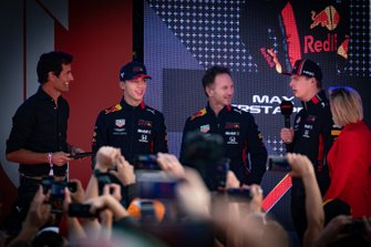 Mark Webber, Pierre Gasly, Red Bull Racing, Max Verstappen, Red Bull Racing, y Christian Horner, director del equipo