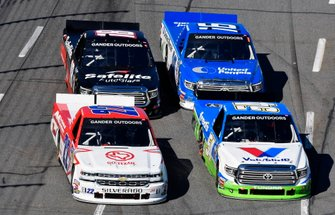 David Gilliland, DGR-Crosley, Toyota Tundra Fred's and Darrell Wallace, Jr, AM Racing, Chevrolet Silverado GO TEXAN / AM Technical Solutions