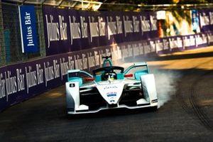 Tom Dillmann, NIO Formula E Team, NIO Sport 004, fait un blocage de roue