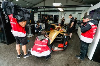 Photographers surround Jean-Eric Vergne, DS TECHEETAH, DS E-Tense FE19 as he's strapped into the car