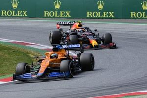 Daniel Ricciardo, McLaren MCL35M,Sergio Perez, Red Bull Racing RB16B