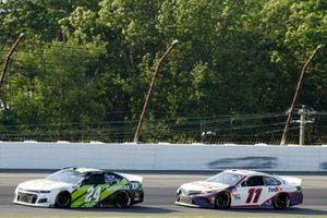 William Byron, Hendrick Motorsports, Chevrolet Camaro Axalta Color of the Year, Denny Hamlin, Joe Gibbs Racing, Toyota Camry FedEx Ground
