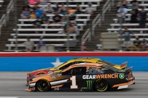Joey Logano, Team Penske, Ford Mustang Shell Pennzoil, Kurt Busch, Chip Ganassi Racing, Chevrolet Camaro GEARWRENCH