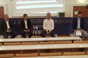 فرانكو كيفوليني، رئيس إنرجيكا، ونيكولا سيميكا، مؤسّس وايكوم، ودافيدي بارانا، المدير التقنيّ لدوكاتي كورسي، وماركو كونجيو صحفي