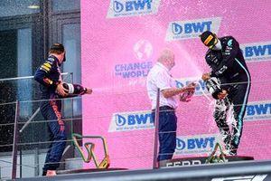 Max Verstappen, Red Bull Racing, Helmut Marko, Consultant, Red Bull Racing, en Lewis Hamilton, Mercedes