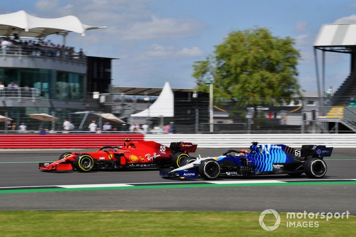 Carlos Sainz Jr., Ferrari SF21, George Russell, Williams FW43B