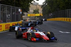 Robert Shwartzman, Prema Racing, leads Richard Verschoor, MP Motorsport