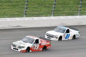 Derek Kraus, McAnally Hilgemann Racing, Toyota Tundra KAFKA GRANITE and Zane Smith, GMS Racing, Chevrolet Silverado